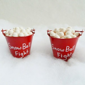 Easy Snow Ball Fight Christmas Craft
