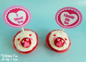 Easy Valentine Dog Cupcakes with FREE Printables!