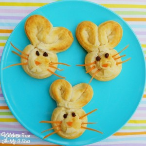 Easy Bunny Buns using Pillsbury Crescent Rounds!