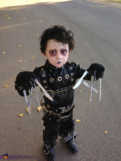 Edward Scissorhands Costume for Halloween!