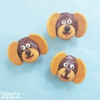 Easy Dog Cupcakes....these take minutes to make & such a cute cupcake idea for a Puppy Party!