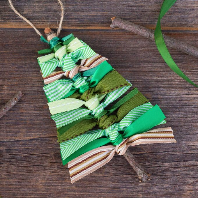Christmas Tree Ribbon Ornaments
