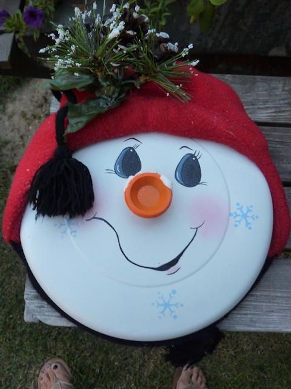 Snowman made from pot lid...super cute Christmas decoration idea!