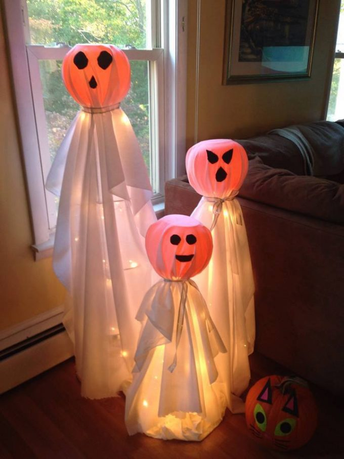 Tomato Cage Halloween Ghosts