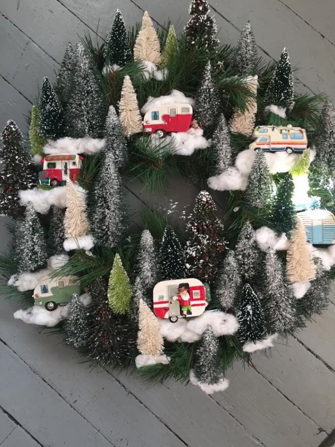 Retro Vintage Camper Wreath