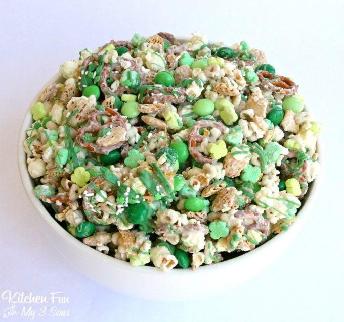 St. Patrick's Day Leprechaun Bait Snack Mix