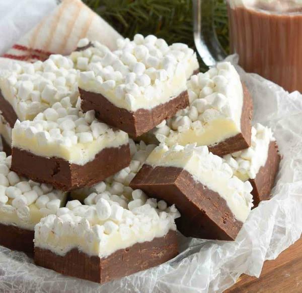 Hot Chocolate Fudge - The BEST Christmas Fudge Recipes!