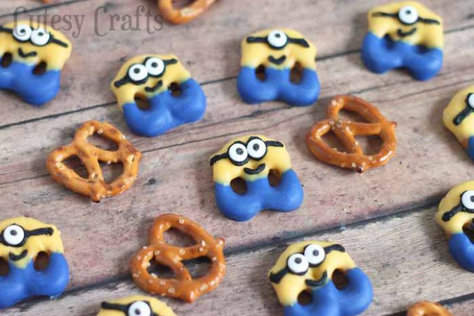 Minion Pretzel Treats