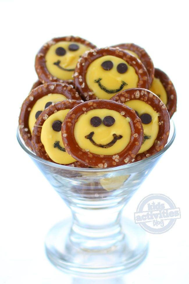 Smiley Face Pretzel Treats