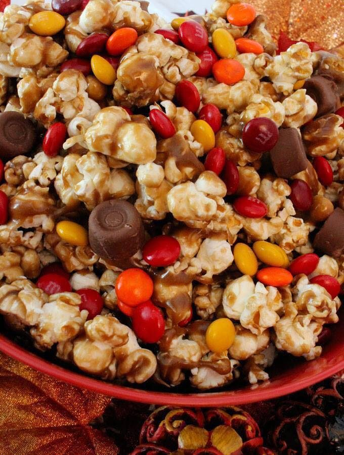 Harvest Caramel Corn - The BEST Halloween Treat ideas!