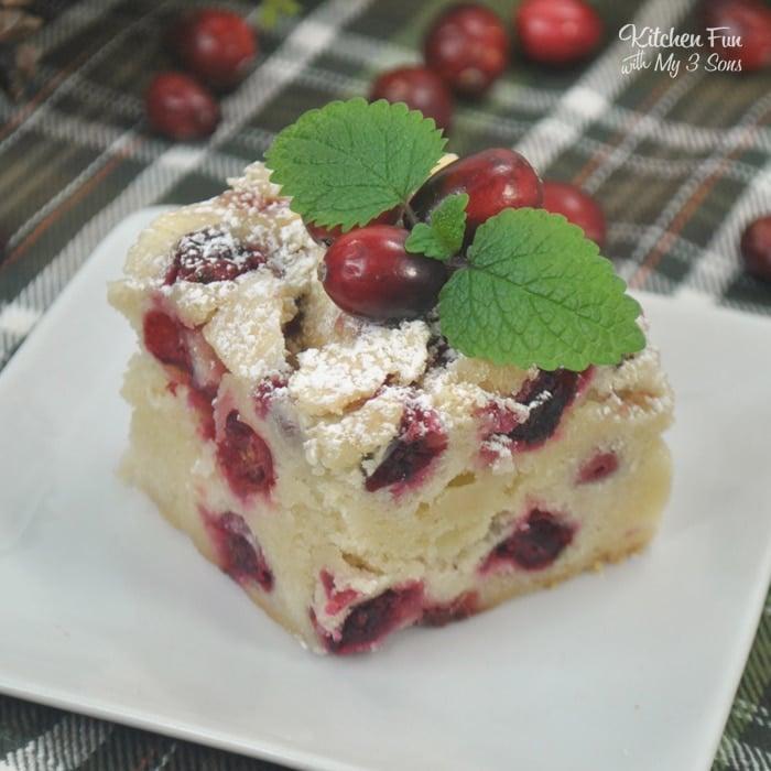Cranberry Christmas Cake | A delicious Christmas cake recipe with cranberry.