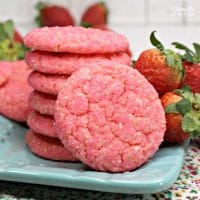 Strawberry Champagne Cookies | Yummy Valentine's Day cookie recipe with strawberry flavor and champagne extract.