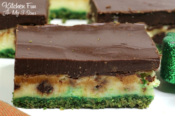 These Bailey's Cheesecake Bars are a yummy combination of cheesecake and chocolate ganache on a graham cracker crust. Perfect St. Patty's Day dessert!