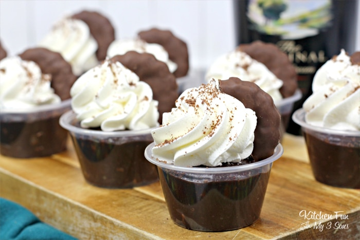 Thin Mint Pudding Shots are going to take your love of the delicious Girl Scout cookies to a whole 'nother level. We've combined them with chocolate pudding and Bailey's Irish Cream for a delicious recipe.