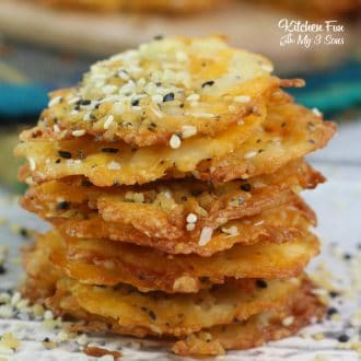 Everything Bagel Keto Cheese Chips is a great ketoogenic recipe that will help cure your chips craving. It's full of flavor and totally low carb!