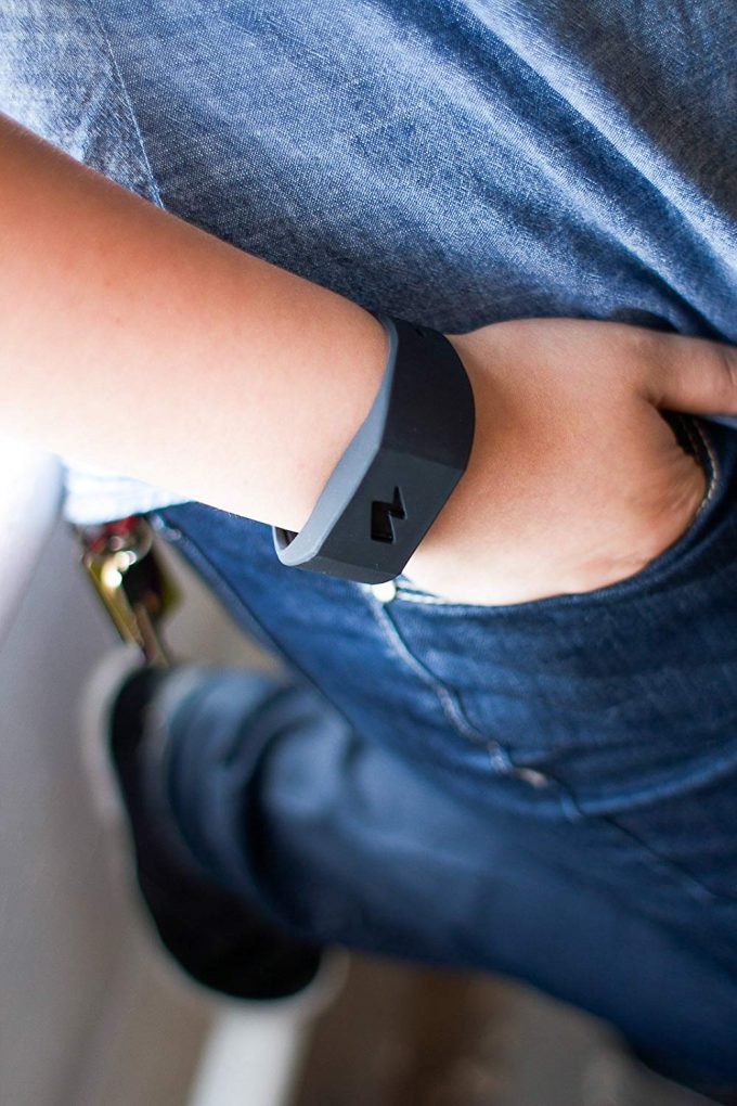 This Bracelet Shocks You When You Eat Junk, Smoke and Spend Too Much Money