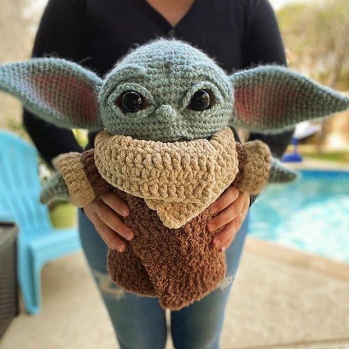 Crochet Baby Yoda Amigurumi That You Can Make Yourself