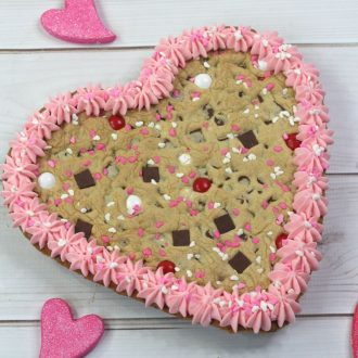 cookie heart cake