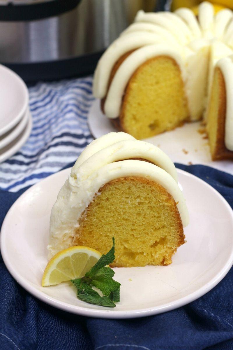 instant pot lemon bundt cake