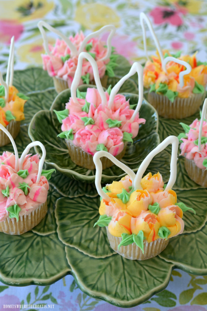 Blooming Bunny Ears Cupcakes