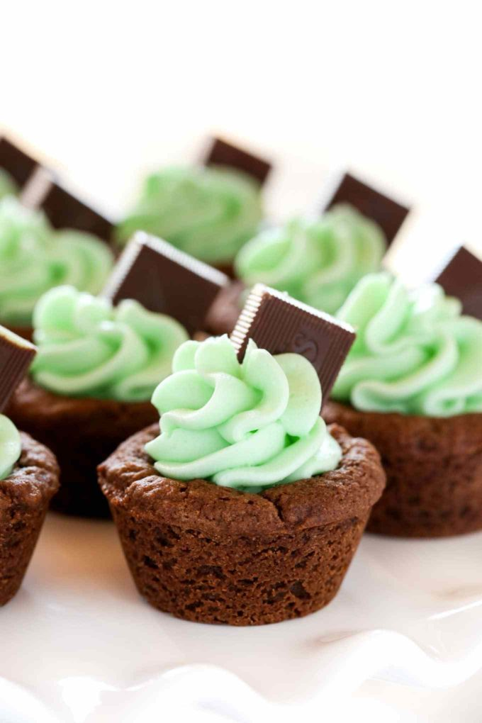 Mint Chocolate Cookie Cups
