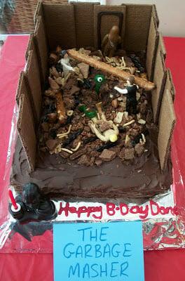 The Star Wars Garbage Masher Cake!