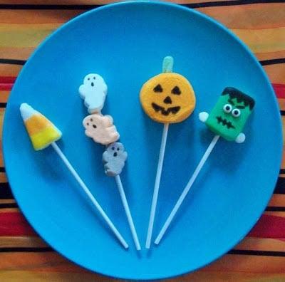 Spooky Marshmallow Pops!