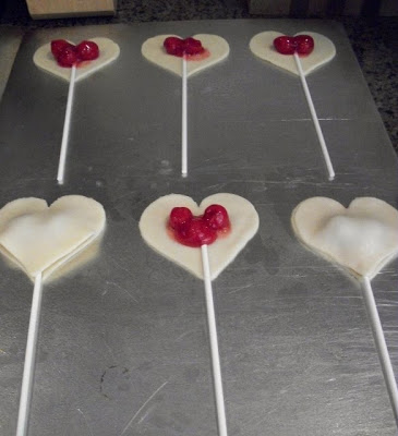Valentine Conversation Heart Pie Pops!