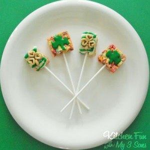 St. Patrick's Day Treat – Lucky Rainbow Cereal Pops!
