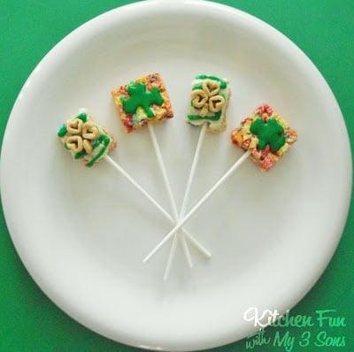 Lucky Rainbow Cereal Pops!