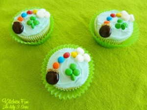 St. Patrick's Day Lucky Rainbow Cupcakes