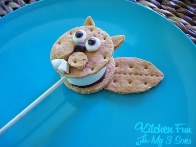 Squirrel and Nut S'more Pops
