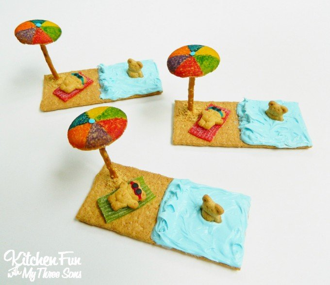 Teddy Graham Beach Treats made with Graham Crackers...so easy!