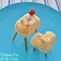Back to School Treats for Kids made with Rice Krispie Treats to look like a Desk...so cute!