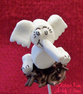 Horton Hatches the Egg Marshmallow Pops