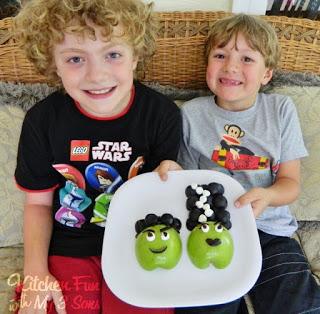 Frankenstein & His Bride Fruit Snack