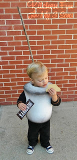 ... Keebler graham cracker. I never give him chocolate and he gobbled that Hershey bar up so fast on stage. It did keep him focused and still. : graham cracker costume  - Germanpascual.Com