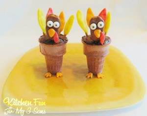 Thanksgiving Tootsie Turkey Cake Cones