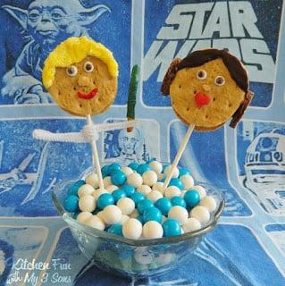 Luke S'morewalker Pop and a Princess Leia S'more Pop