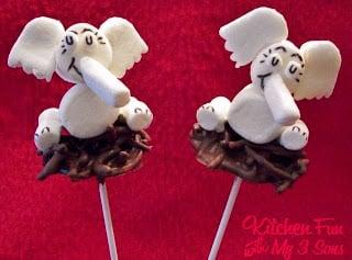 Horton Hatches the Egg Marshmallow Pops
