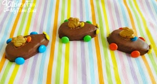 Your kids are going to just love these fun Easter Bunny Reese's Egg Cars and these take just a few minutes to make!