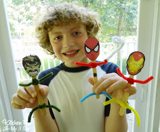 fun Marvel Heroes using Popsicle sticks, the hero head cut outs, & pipe cleaners
