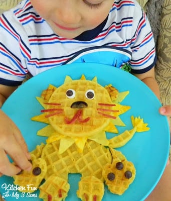 My 3 year old thought really loved this fun Eggo breakfast