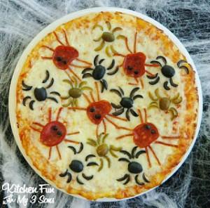 Halloween Spider Pizza