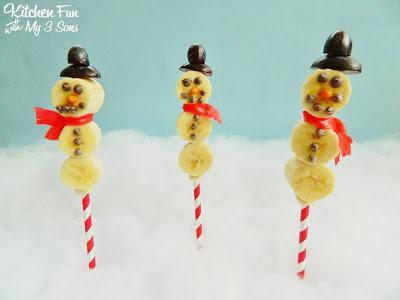 Snowman Banana Fruit Pops for a fun & healthy Christmas snack!