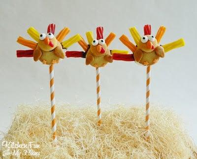 Thanksgiving Turkey Twizzler Cookie Pops
