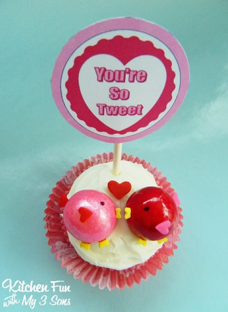 Here is a close up of our You're So Tweet cupcake