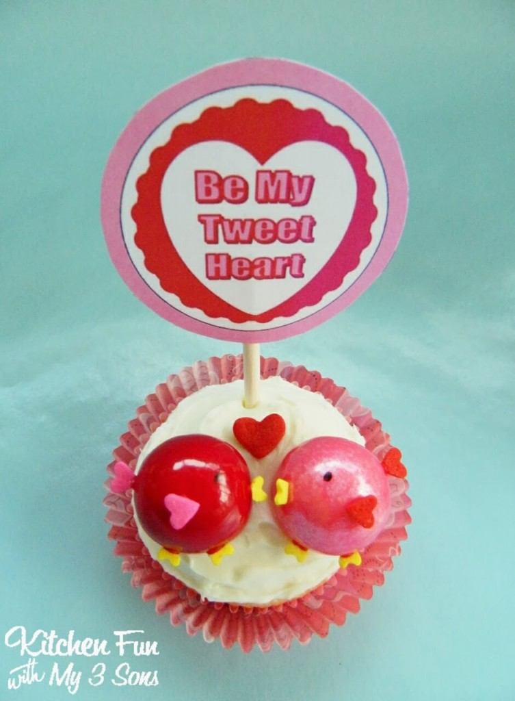 Here is a close up of our Be My Tweet Heart Cupcake