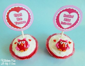 Easy Valentine Owl Cupcakes with FREE Printables!