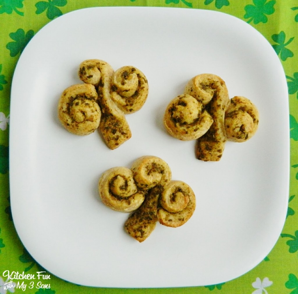 Easy St. Patrick\'s Day Shamrock Rolls - Kitchen Fun With My 3 Sons